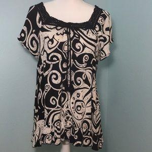 dressbarn abstract print top w/crochet lace, M